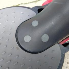 Gumowe zaślepki śrub błotnika do Xiaomi M365 (różne kolory)